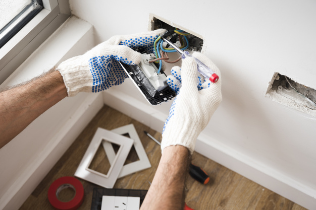 What makes a good electrician